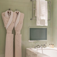 A Classic Suite bathroom at The Beaumont Hotel in London