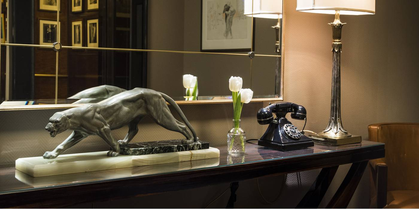 Art in The Beaumont Hotel in London