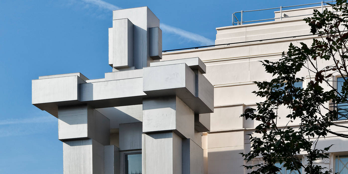 ROOM by Sir Antony Gormley, The Beaumont Hotel in London